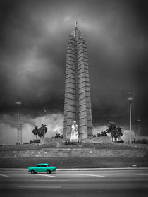 Memorial a Jose Marti with green car, Havanna von Bastian Linder