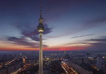 TV tower of Berlin at Alexanderplatz von Bastian Linder