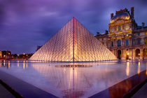 Pyramids at Louvre during sunset, Paris by Bastian Linder