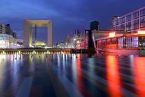 La Défense Paris am Abend by Patrick Lohmüller