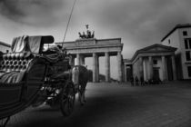 Brandenburg Gate, Berlin City by hottehue