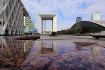 La Défense Spiegelungen Paris von Patrick Lohmüller