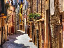Gasse in Ruvo di Puglia, Apulien, Italien by Klaus Rünagel