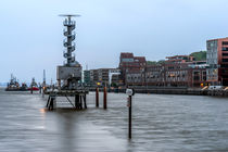 an der Elbe in Hamburg by fotolos