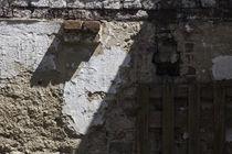 Mauerstrukturen und Licht von Petra Dreiling-Schewe