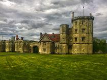 'Thornbury Castle (HDR)' von John Wain