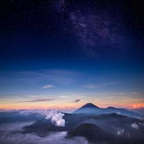 Vulkan Bromo mit Milchstraße von Simon Andreas Peter
