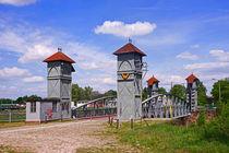 kleine Hubbrücke in Magdeburg im Wissenschaftshafen von magdeburgerin