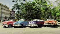 Cuban Convertibles  von Rob Hawkins