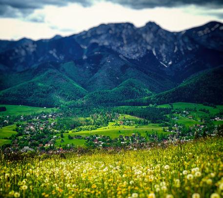 Landscape-below-giewont