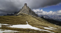 Ra Gusela from the Passo Giau in the Italian Dolomites von chris-drabble