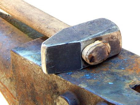 Hammer-and-amboss