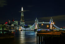 The Shard & Tower Bridge von Wayne Molyneux