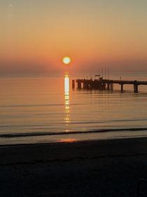 Sonnenaufgang am Meer von Martina Lender-Frase