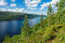 Blick auf den Varangerfjord in Norwegen by Rico Ködder