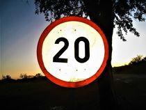 """Verkehrsschild """"20""""  by assy"""