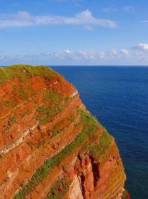 Rote Felsen blaues Meer von kattobello