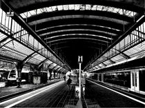 'Bahnhof Oldenburg - Gleishallen' von Detlev Kluin