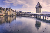 Lucerne Old Bridge in winter  von Rob Hawkins
