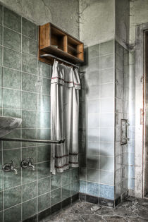Bathroom Zyklus I by Ingo Mai
