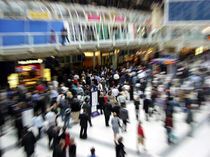 Liverpool Street - London Tube Station - Rush Hour von Ruth Klapproth