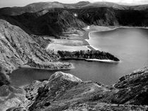 Crater lake by Gaspar Avila
