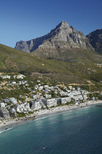 Aerial view of Luxury apartments, Clifton Beach, and Table M... von Danita Delimont