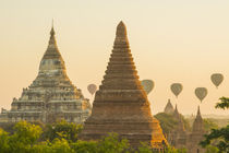 Bagan. Hot air balloons rising over the temples of Bagan. von Danita Delimont