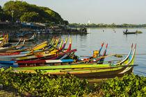 Mandalay. Amarapura. Taungthaman Lake. Colorful boats. von Danita Delimont