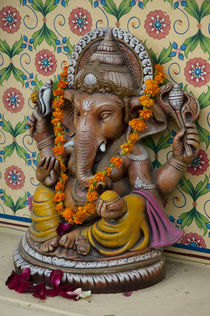 Small shrine to Ganesh, Jaipur, Rajasthan, India. von Danita Delimont