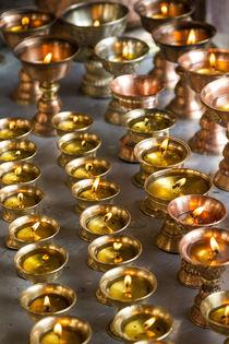 Butter lamps, Lamayuru, Indus Valley, nr Leh, Ladakh, India von Danita Delimont