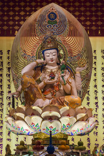 Singapore, Chinatown, Buddha Tooth Relic Temple, temple statues von Danita Delimont