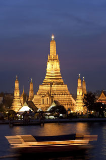 Temple of the Dawn in Bangkok Thailand von Danita Delimont