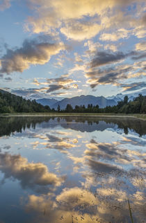 Lake Matheson Dawn von Danita Delimont