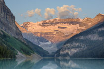 Canada, Banff National Park, Lake Louise, with Mount Victori... von Danita Delimont