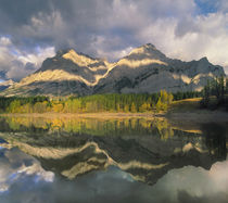 Mount Kidd, Kananaskis Country, Alberta von Danita Delimont