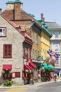 Canada, Quebec, Quebec City, Old Town shops and restaurants. von Danita Delimont