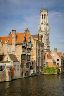 Belfry of Bruges towers over the buildings at the junction o... von Danita Delimont