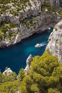 Tour boat in the Calanques near Cassis, Bouches-du-Rhone, Co... by Danita Delimont