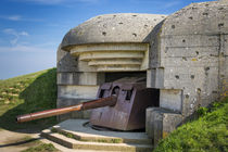 German 150mm gun at the Longues-sur-Mer Battery, part of the... von Danita Delimont