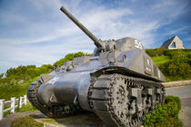 US Army Sherman tank on display along the Normandy coast at ... von Danita Delimont