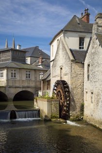 Mill along River Weir and medieval town of Bayeux, Normandy France von Danita Delimont