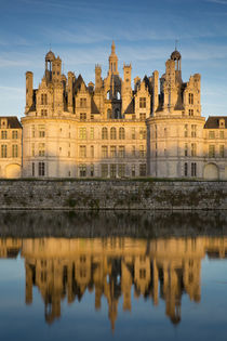 Sunset over the massive, 440 room, Chateau de Chambord, Loir... von Danita Delimont