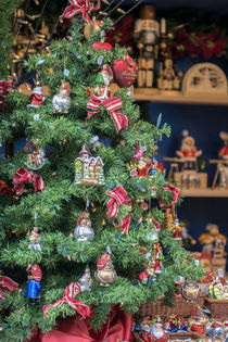 Christmas decorations for sale, Rothenburg, Germany von Danita Delimont