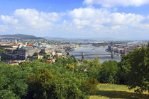 Budapest, Hungary, Scenic view of the Danube River and Bada and Pest. von Danita Delimont