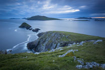 Dusk over Dunmore Head with Blasket Islands beyond, Dingle P... von Danita Delimont
