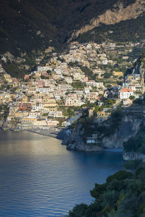 Early morning view of Positano, along the Amalfi Coast, Camp... von Danita Delimont