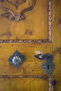 Door hardware at entry to Sant Jakob Church San Pietro, Tren... von Danita Delimont
