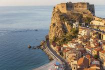 Town View with Castello Ruffo, Scilla, Calabria, Italy von Danita Delimont