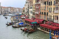 Grand Canal Restaurants and Gondolas von Danita Delimont